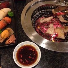 Photo taken at Iroha Yakiniku (อิโรฮะ) 焼肉 いろは by Saming S. on 11/22/2014