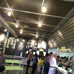 Photo taken at Shake Shack | شيك شاك by Jassem A. on 2/19/2013