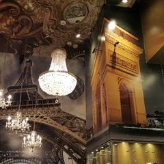 Photo taken at Le Café De París by Okarina R. on 12/31/2014