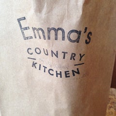 Photo taken at Emma's Country Kitchen by Ces A. on 11/30/2014