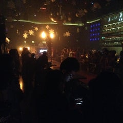 Photo taken at ROOM Music Club . Live Band by Bernice M. on 12/6/2014