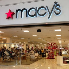 Photo taken at Macy's by 🙏Mi'Chell Q. on 11/30/2012