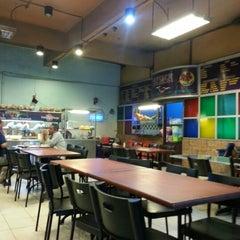 Photo taken at Restoran Sri Bunga by Huzaifah Razak R. on 1/25/2013