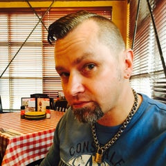 Photo taken at East Side Mario's by Matthew P. on 5/30/2015