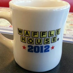 Photo taken at Waffle House by Legendary on 4/8/2013