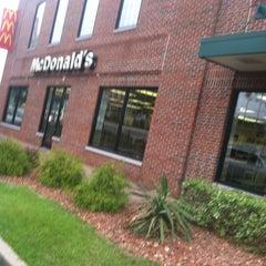 Photo taken at McDonald's by Raisa G. on 5/4/2013