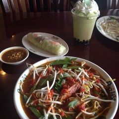 Photo taken at Pho Hoa Noodle Soup by Jared S. on 6/18/2014