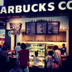 Photo taken at Starbucks Coffee 関西国際空港エアサイド店 by Kosuke F. on 8/13/2013