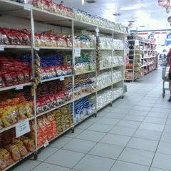 Photo taken at Mercado do Ogunjá - Ceasa by Lucas A. on 12/21/2012