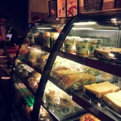 Photo taken at Starbucks by Daria V. on 11/27/2012