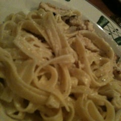 Photo taken at Olive Garden by Bethani S. on 12/6/2012