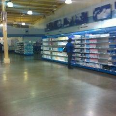 Photo taken at Supermercado Sigo by Cesar P. on 4/9/2013