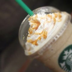 Photo taken at Starbucks Coffee by 💋sasah 🍃 O. on 11/26/2012