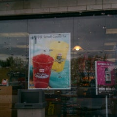 Photo taken at Dunkin' Donuts by Richard D. on 5/8/2013