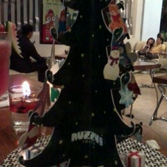 Photo taken at Nuzzy's Mousse and Resto by Ivan C. on 12/16/2011