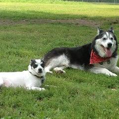 Photo taken at Howard Dog Park by Gloria (Glorioke) B. on 8/18/2013