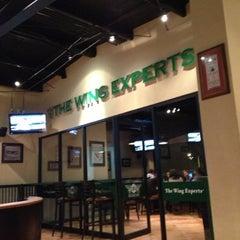 Foto tirada no(a) Wing Stop Sports por Mauricio P. em 11/24/2012