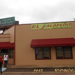 Photo taken at El Jalapeno by Wayne F. on 11/30/2012