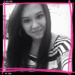 Photo taken at Victoria's Secret PINK by Catrina C. on 11/27/2012
