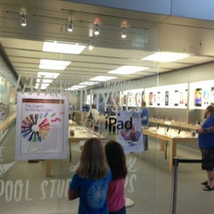 Photo taken at Apple Store, Maine Mall by Fred G. on 7/26/2013