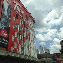 Photo taken at Tune Hotels by Khairi B. on 1/31/2013