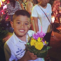 Photo taken at วัดหนองใหญ่ by Aor M. on 11/6/2014