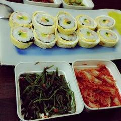 Photo taken at Cơm Quấn Hàn Quốc by Andy L. on 3/7/2013