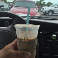 Photo taken at Caribou Coffee by 💀Charlie🇺🇸 B. on 6/22/2015