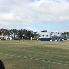 Photo taken at Dallas Cowboys Training Camp by Ramon C. on 8/13/2014