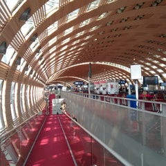 Photo taken at Aéroport Paris-Charles de Gaulle (CDG) by Lytvynka on 5/21/2015