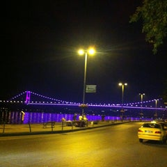 Photo taken at Emirgan Sütiş by Erhan on 6/6/2013