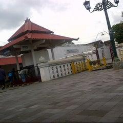 Photo taken at Masjid Gedhe Kauman by Sujarwo Rahmad M. on 12/31/2012