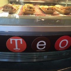 Photo taken at Teo Espresso, Gelato & Bella Vita by Paul D. on 10/14/2015