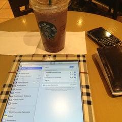 Photo taken at Starbucks by Henokh on 3/25/2013