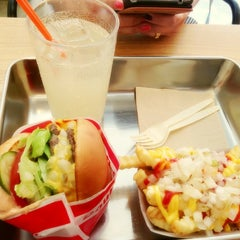 Photo taken at Crycheese Burger by Yong Jin L. on 6/16/2013