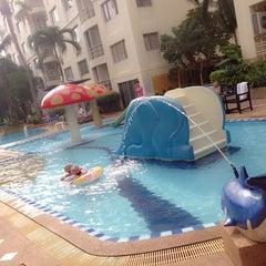 Photo taken at โรงแรม หิน น้ำ ทราย สวย 1 (Hin Nam Sai Suay 1) by TuuZy AplenTy on 10/17/2014