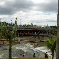 Photo taken at Ah Poong (Pasar Apung Sentul City) by tonny s. on 1/1/2013