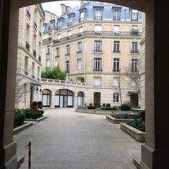 Das Foto wurde bei Christian Dior von Victoria M. am 3/10/2013 aufgenommen