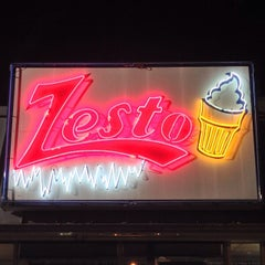 Photo taken at Zesto Drive-Ins by Maurice on 10/30/2013