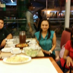 Photo taken at Pizza Hut by Cristina D. on 8/3/2014