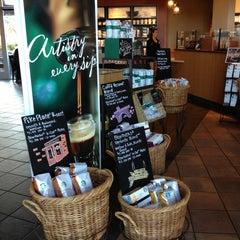 Photo taken at Starbucks by Tatevik P. on 4/19/2013