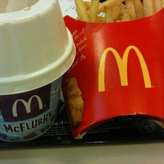 Photo taken at McDonald's & McCafe by Qiss T. on 1/29/2013