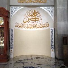 Photo taken at Masjid Ukhuwah Islamiyah (Mesjid UI) by Eko H. on 11/9/2012