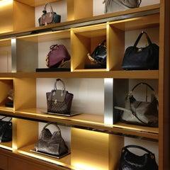 Photo taken at Louis Vuitton by Aнна🌺🌺🌺 on 12/29/2012