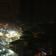 Photo taken at Mövenpick Hotel & Residence Hajar Tower Makkah   فندق وأبراج هاجر موڤنبيك by Rawan M. on 2/26/2013