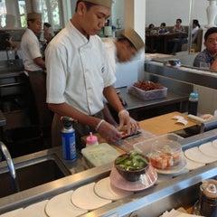 Photo taken at Sushi Tei by Henry Setiawan on 11/11/2012