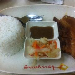 Photo taken at Howyang Asian Cuisine by Fel Sandra R. on 5/11/2013