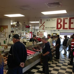 Photo taken at Gartner's Country Meat Market by Lelio M. on 6/12/2013