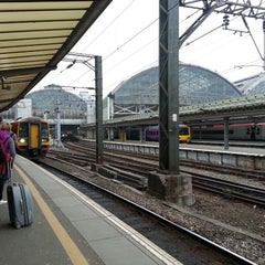 Photo taken at Manchester Piccadilly Railway Station (MAN) by Oliver C. on 4/9/2013