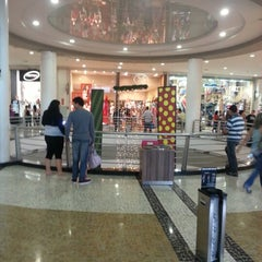 Photo taken at BoaVista Shopping by Vinicius P. on 12/22/2012